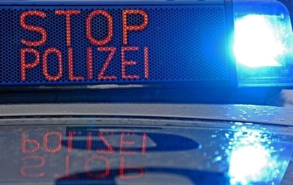 13-Jähriger rast mit 160 km/h durch Ortsgebiet vor Polizei davon
