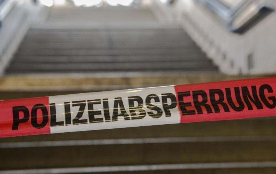 Drei Tote erschossen in Haus gefunden - Polizei geht von Familientragödie aus