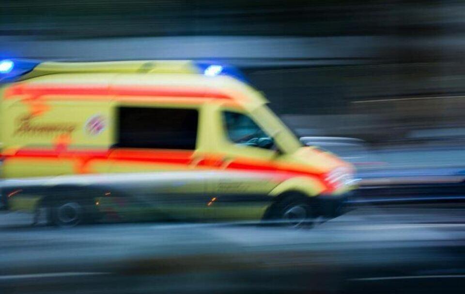 Fasching in Waidhofen: Von Traktor erfasst - Frau stirbt bei Faschingsumzug